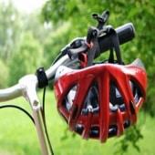 casco-y-bicicleta