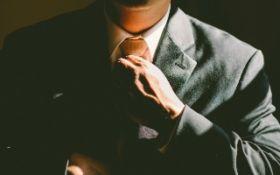 Traje y corbata